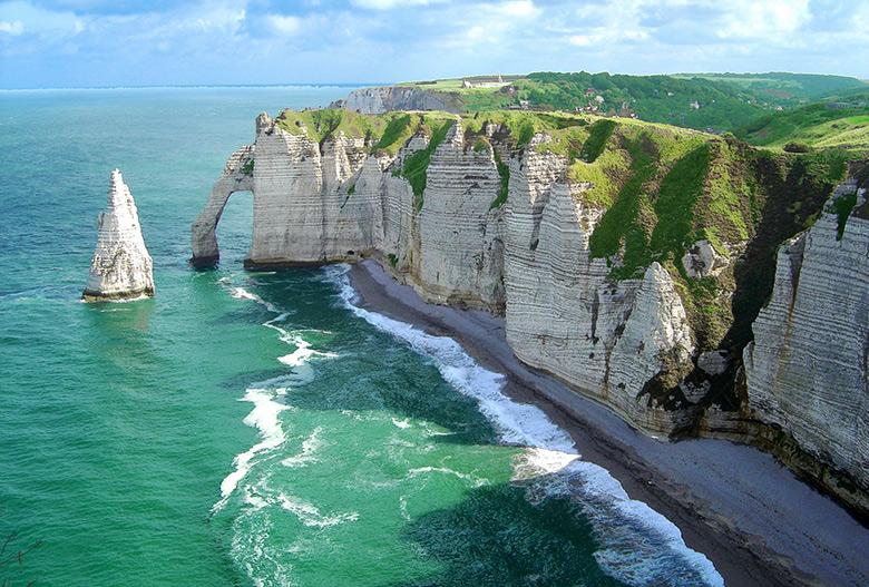 rocks-cliffs-and-sea1